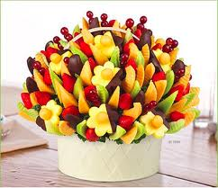Edible arrangements fruit baskets